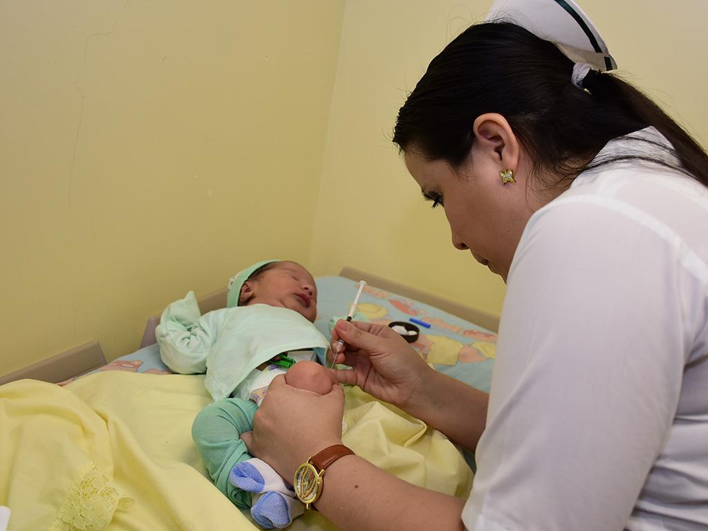 Vacunas: La fase de la vacunación inicia desde que el ser humano nace y se mantiene hasta la tercera edad, explican los expertos en salud. https://laprensa.com.ec