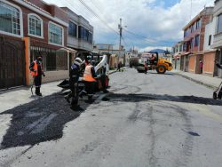 Trabajos de bacheo Riobamba