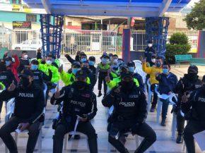 Vacunación del personal de seguridad y rescate Chimborazo